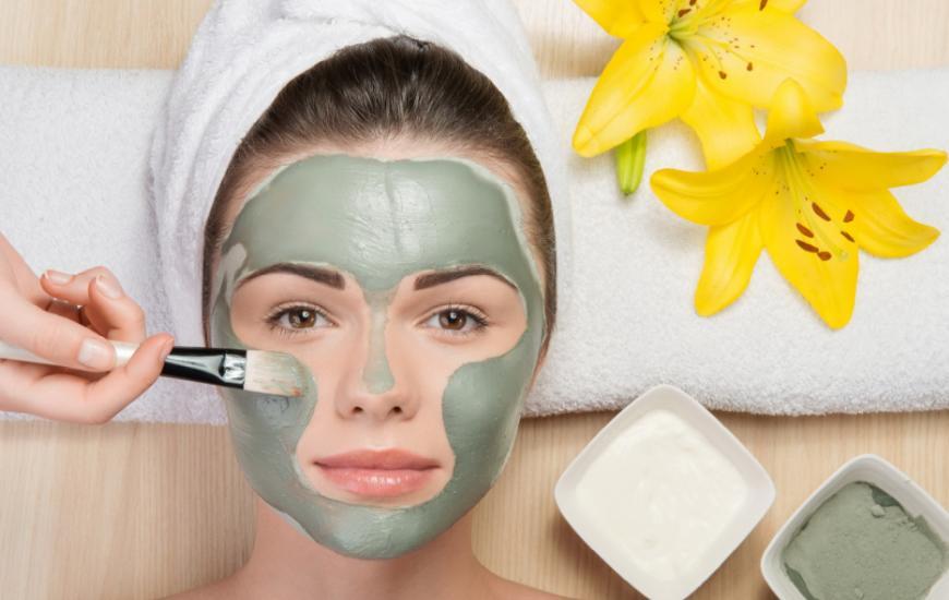 Как правильно нанести маску для лица