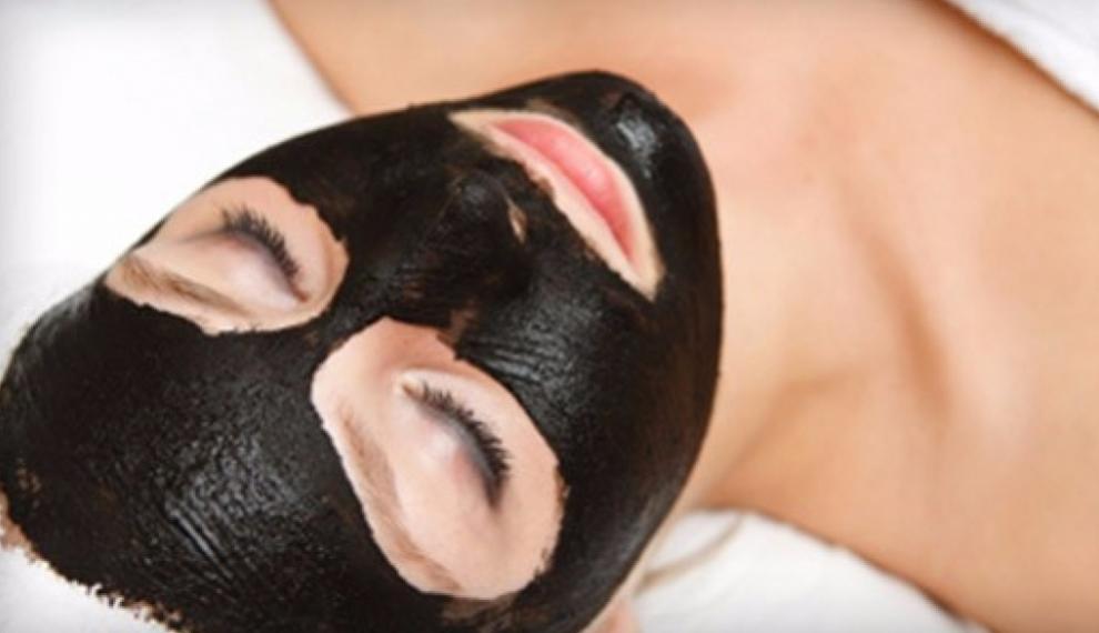 Черная маска из угля и желатина